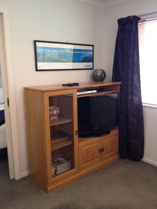 TV with Freeview Plus