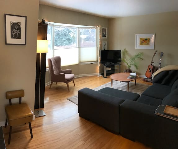 Charming, Comfortable Inner City Stay