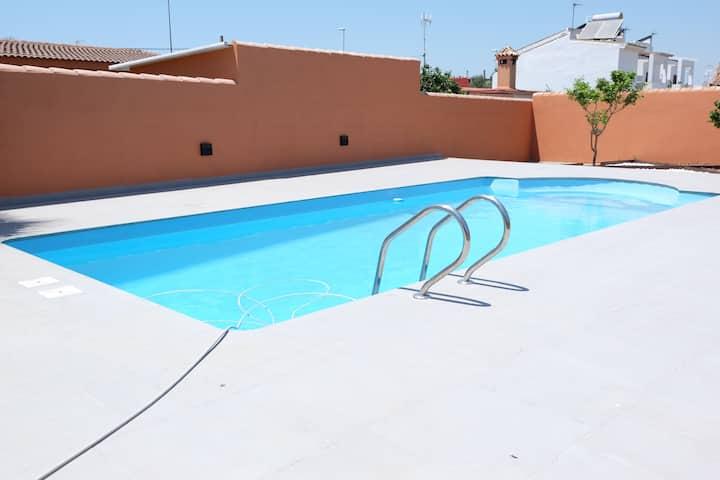 Estudio con jardín y piscina en Chiclana-Cádiz