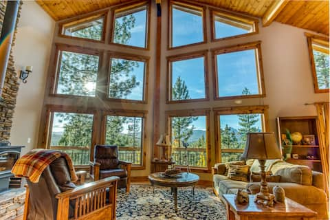 Lodge Style Cabin nr Crater Lake w Mountain Views