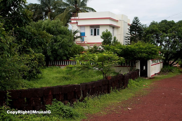 Devgad bunglow house room for rent