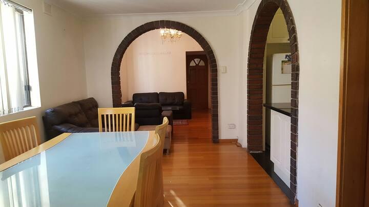 Nice Room in Campsie