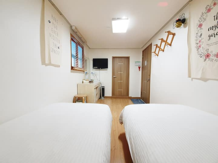 Dongdaemun safe and private room