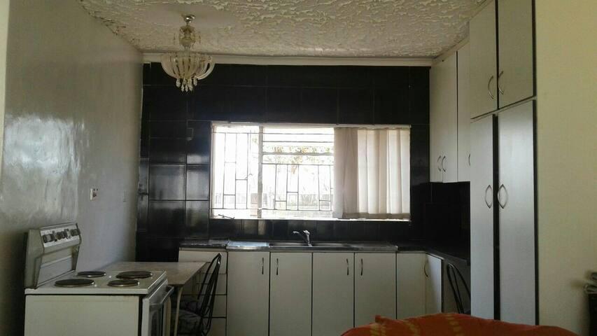 ELEGANT BACHELOR PAD~Gunhill! - Harare - Apartamento