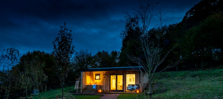 The Nook Luxury Cabin Outdoor Soaktub & Logburner
