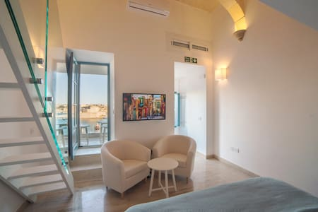 Valletta Sea View Studio Apartment