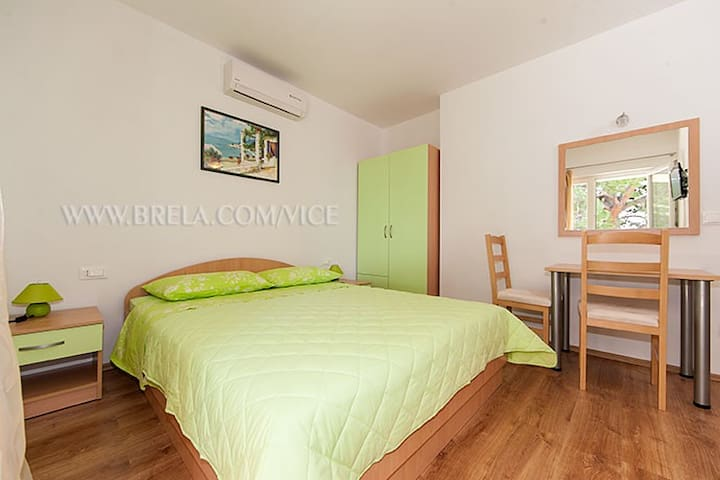 Apartment Vice A2