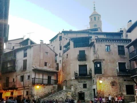 Casa Lozaba Albarracín Plaza Mayor.