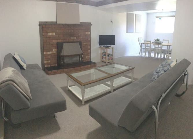 Quiet, Bright & Spacious 1 Bedroom Basement Suite