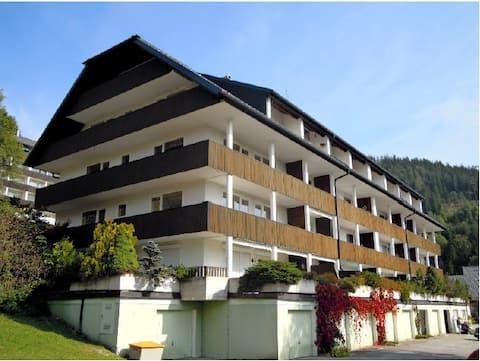 アルプスの休日:夢のような景色が楽しめる2階建てアパート