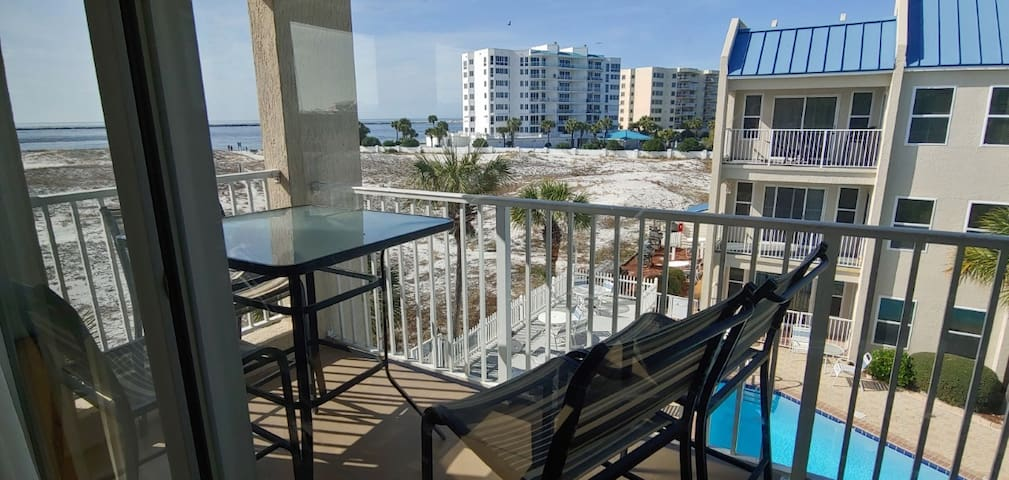 On the Gulf 2 Bdrm, 2 Bath 3rd Floor Condo