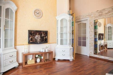 Modern apartment on Maidan - 3 Kostolna str