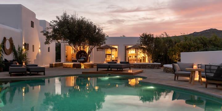 Olive Mykonos Villas - Pool front Suite