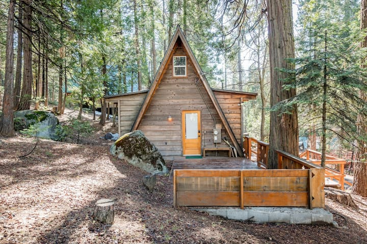 Cozy, renovated A-frame cabin with two decks & wood stove - walk to town!