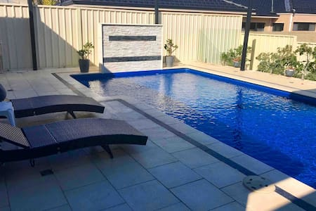 Beautiful self contained coastal guest house
