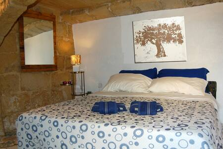 Double Room in Traditional Farmhouse - L-Għarb