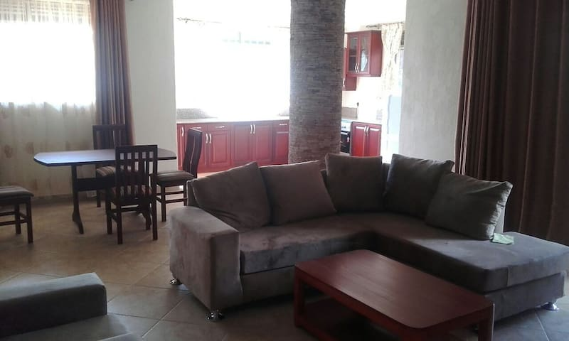 Newly Built 3 Bedroom Apartment - Kampala - Appartement