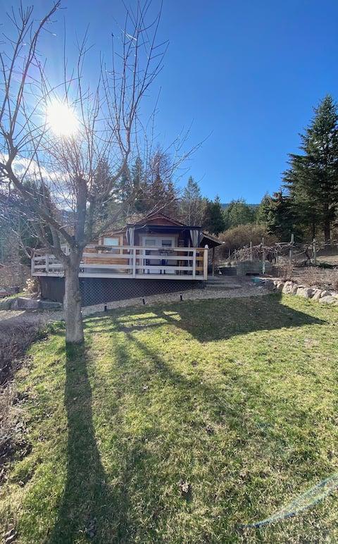 Small Cabin with Beautiful Lake Okanagan Views