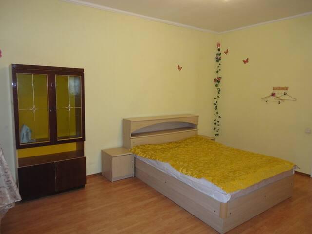 Квартира в центре Курска с балконом