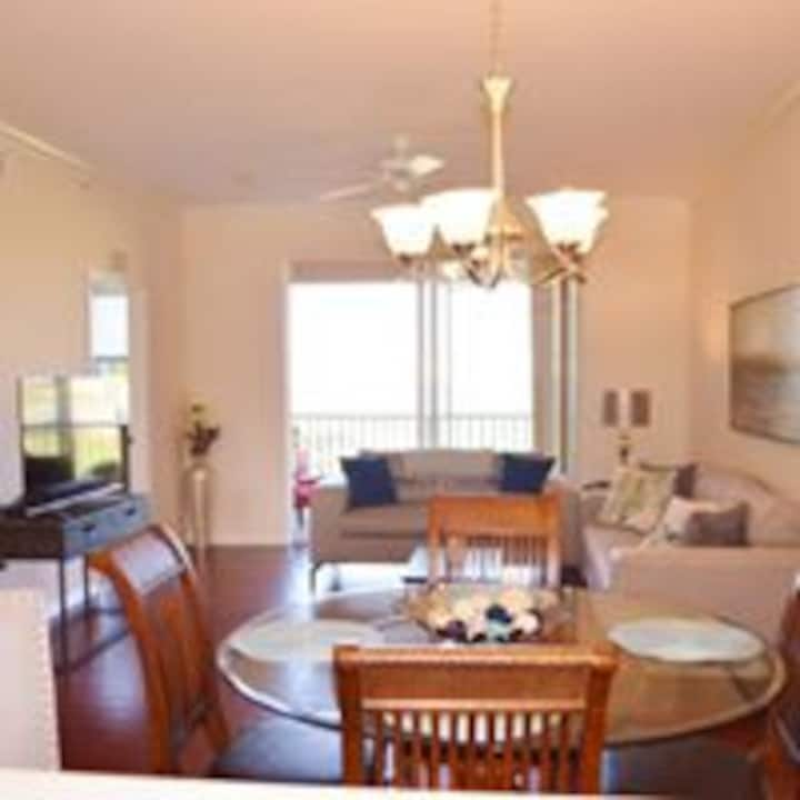 Heritage Palms Condo in Golf Community