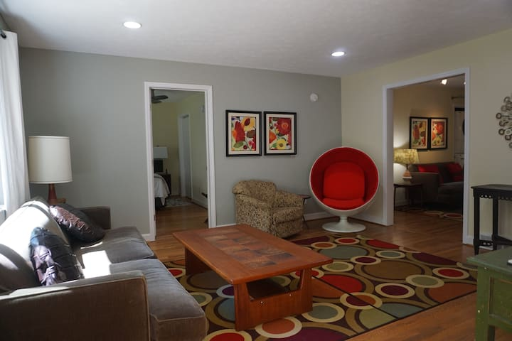 Mid Century Home Close DownTown