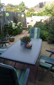 Sunny double room, ideal for exploring Hoorn.