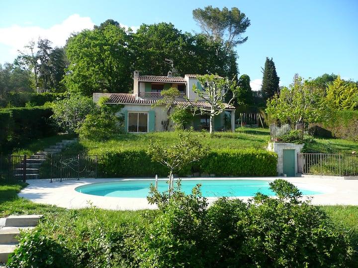 Villa whith swimming pool in OPIO near Antibes