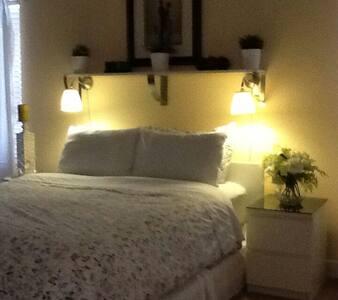 Bed and breakfast,comm. pool,parkin - Aamiaismajoitus