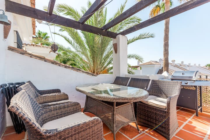 Sunny Penthouse close to Puerto Banus- 3 bedrooms