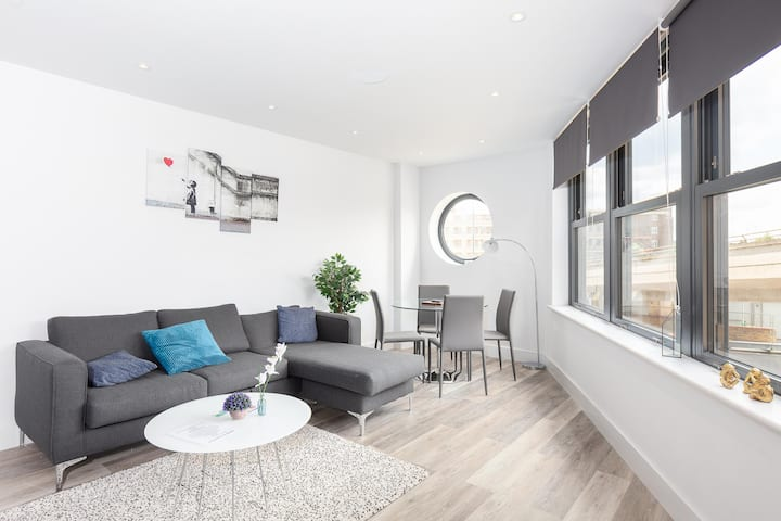 Luxury Two Bedroom Apartment In Fulham Broadway