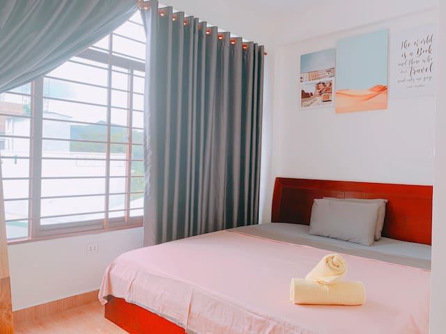ConDao Center* KING BED Double room * FREE PICK UP