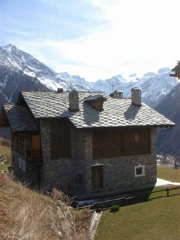 CHALET WITH THE VIEW OF GRAN PARADISO