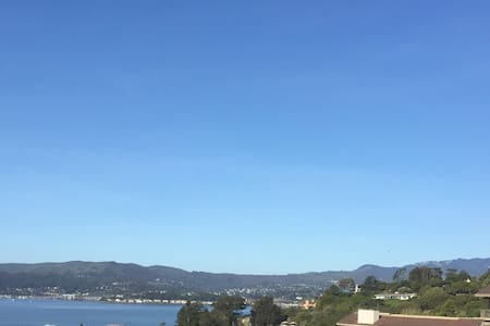 Like being in the South of France, great views! - Belvedere Tiburon - อพาร์ทเมนท์