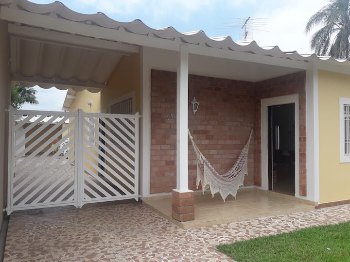 Confortável Casa na Praia do Indaiá - Bertioga.
