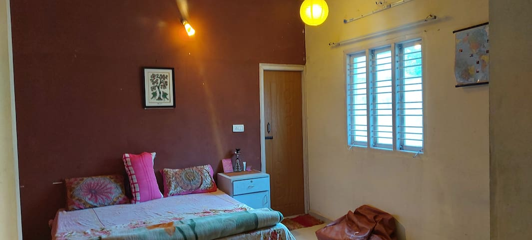 COZY BEE WFH : Room for 1 or 2 long stay NEAR HSR