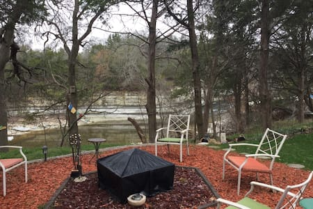 Sanitary Private Room & Full Bath on Rocky Falls