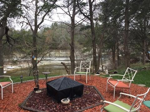 Private Room & Full Bath on Rocky Falls