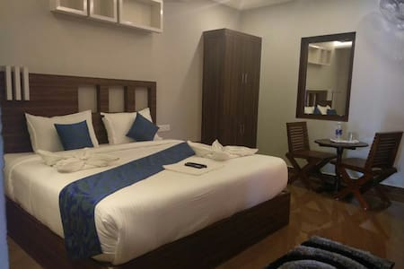 Stay at Munnar on lower price