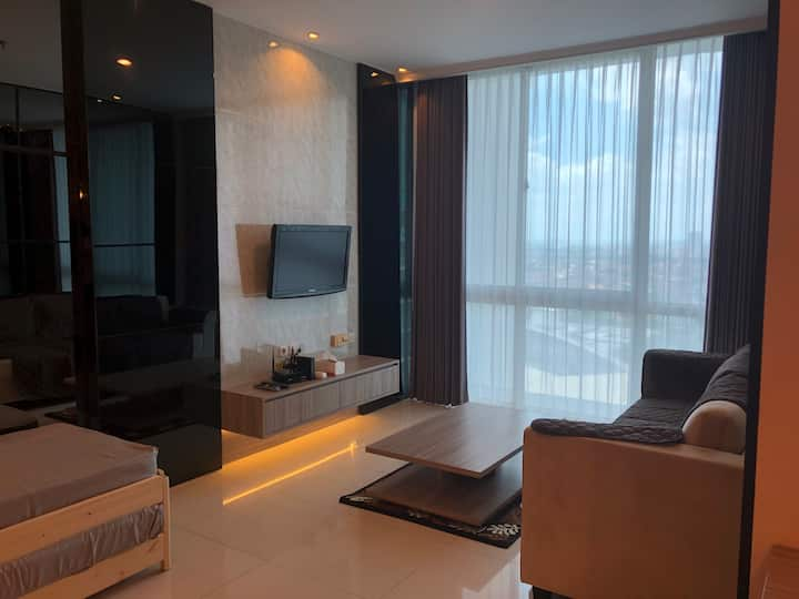 Homey Pool-View 2BR Condo at Ciputra World