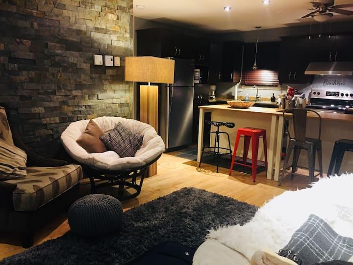 Chalet de la Rouge - Clean, Cozy and Comfortable