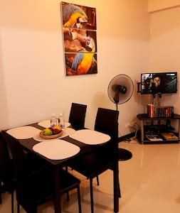Simple yet attractive furnished condo in Cubao - Lägenhet