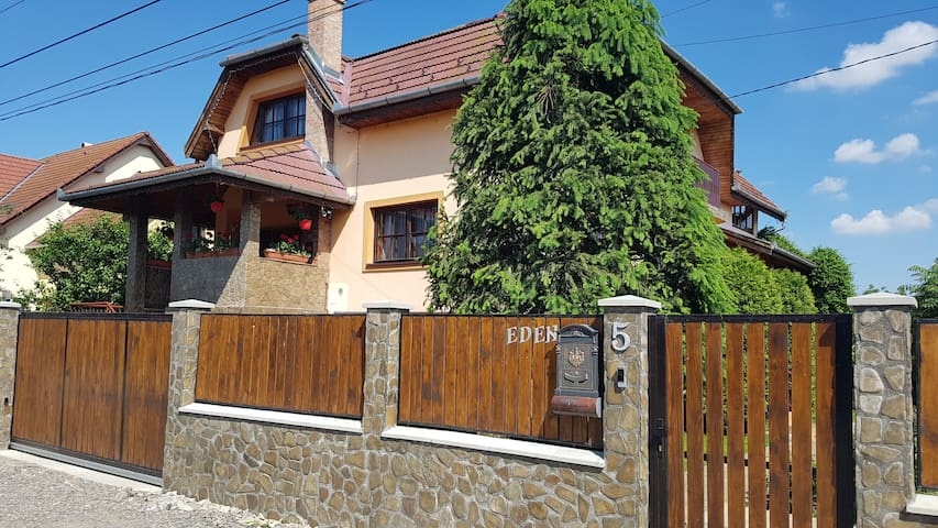 Ana's Home