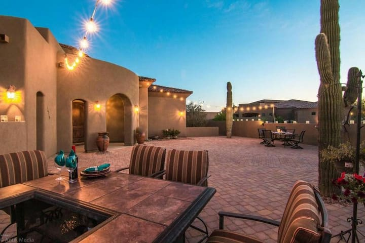 *SUPERHOST* Desert Villa 10 min to 5 Golf Courses