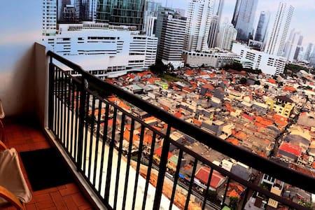 Cozy Studio Kuningan Jakarta + Wifi - Jakarta