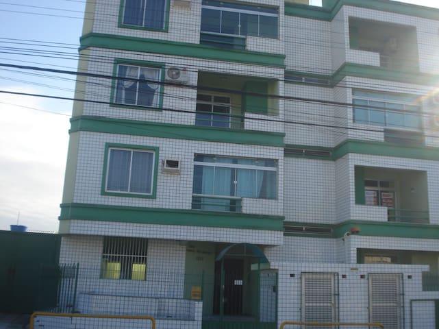 Apartamento no centrinho dos ingleses/Floripa
