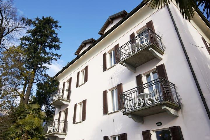 Bella Casa alla Spiaggia Nr. 5 - Tronzano lago maggiore - Daire