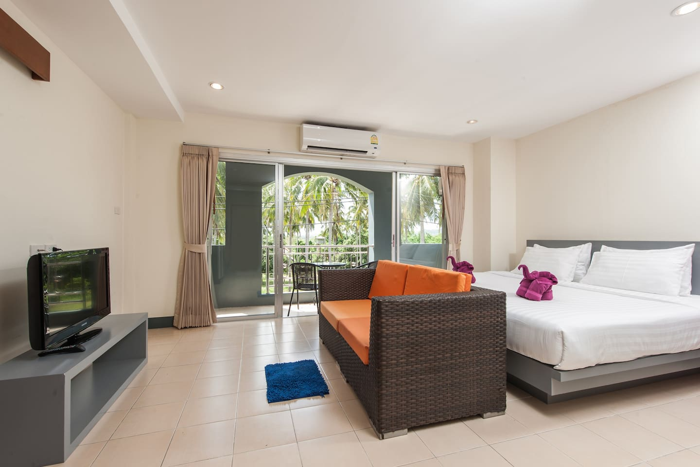 Bedroom with many facilities : Cable TV , Free WIFI , Sofa , refrigerator  , air-conditionor