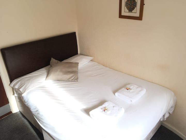 Basic En-suite Double Room