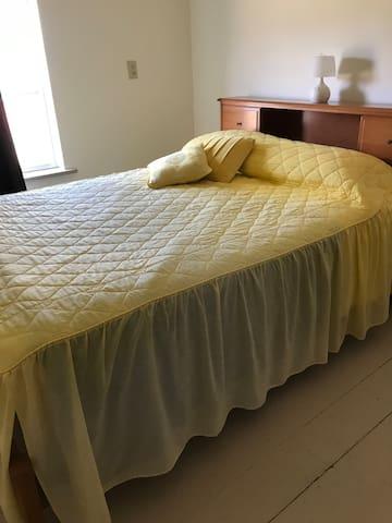 Upstairs bedroom with double bed. Sleeps 2.