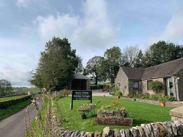 Grindon, Hall Farm Cottages - stunning location